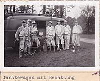 Mit Kübelspritze, Axt und Spaten gehen die Männer vom Neuköllner THW auf Waldbrandstreife im Grunewald. Quelle: THW Neukölln