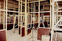 Nach einem Erdbeben in Armenien bauen THW-Helfer eine ehemalige Parteizentrale in ein Krankenhaus um. Quelle: Christian Villwock